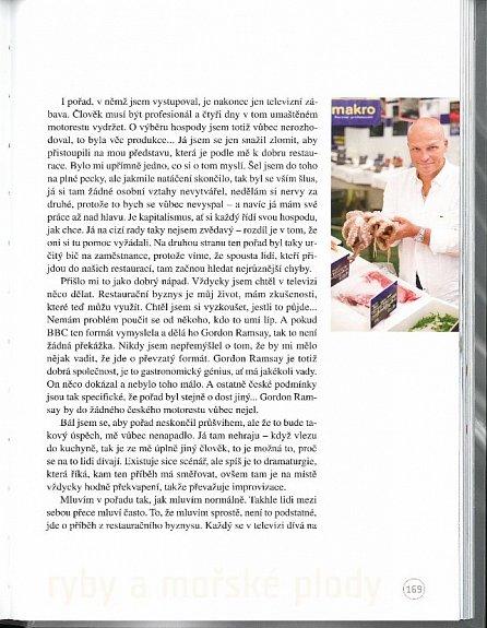 Náhled Prostřeno bez servítků - Téměř 100 pokrmů současné kuchyně okořeněných postřehy ze života