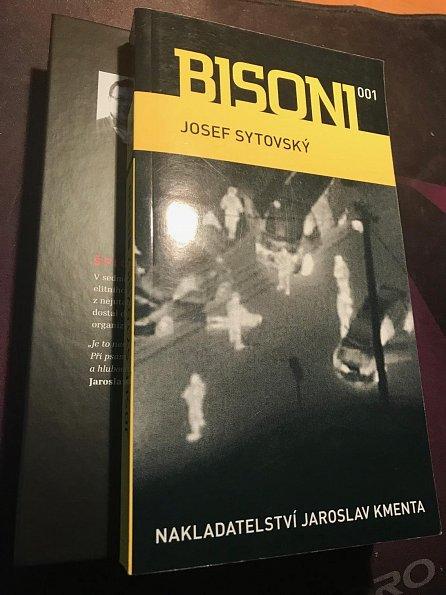 Náhled Český špion Erwin van Haarlem + Bisoni 001 - Komplet (2 knihy)
