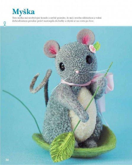 Náhled Království bambulek - 25 návrhů s postupem, jak zhotovit kouzelné hračky z jednobarevných i vícebarevných bambulek