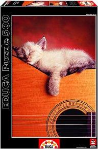 Puzzle Spící kotě na kytaře 500 dílků