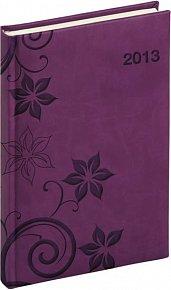 Diář 2013 - Tucson-Vivella - Denní A5, tmavě fialová, květiny, 15 x 21 cm