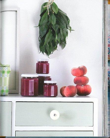 Náhled Marmelády a želé - Dokonalá chuť a vůně v jediné sklenici – radost z vlastní výroby