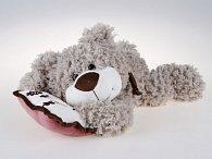 Medvěd ležící s polštářkem 30 cm