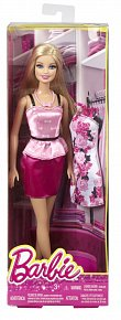 Barbie panenka a šaty