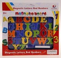Magnetická tabulka s písmenky