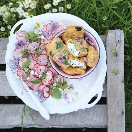 Náhled Kytky k jídlu v receptech i herbáři